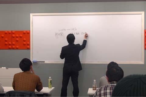 最新コラム「メーカー開発者によるパチスロ6号機講座」を追加しました